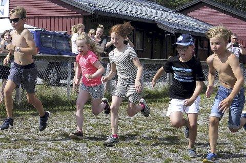 Mini-Olsok: Her går starten i det ene av de to heatene i barneløpet under fjorårets arrangement.Foto: Inge Nordvik