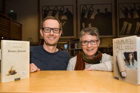 GLEDER SEG: Harald Lindstøl og Eva Christensen gleder seg til torsdagens forfatterbesøk, når Maja Lunde og Kari F. Brænne gjester Risør.