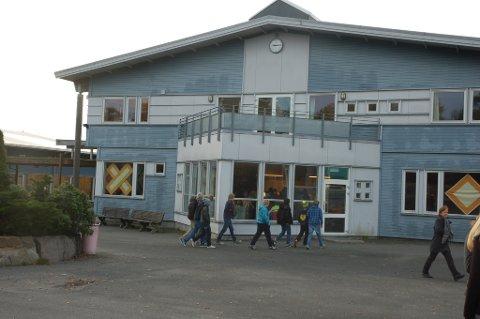 Risør Ungdomsskole (arkiv)