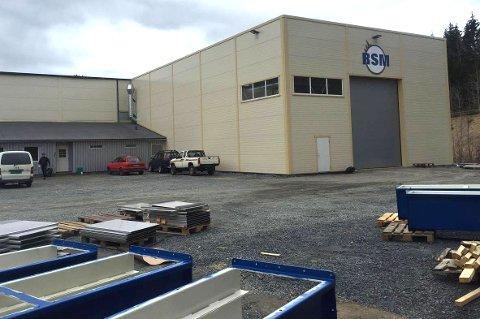 FÅR NYTT NAVN: RSM på Moland i Risør har fusjonert med Eiken Mek. Gruppen AS i Hægebostad kommune. Det er ikke klart hva selskapets nye navn blir.