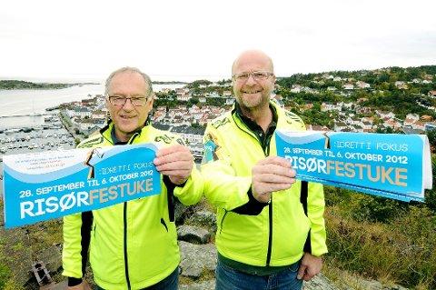 STÅR PÅ, ÅR ETTER ÅR: Jan Einar Henriksen og Willy Thorsen i Risør Festuke er blant de mest sentrale kreftene i festuka. Her fra 2012.