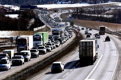Påskeferien nærmer seg slutten. Da kan det blir travelt på veiene, men trolig ikke i Aust-Agder, ifølge Statens Vegvesen.