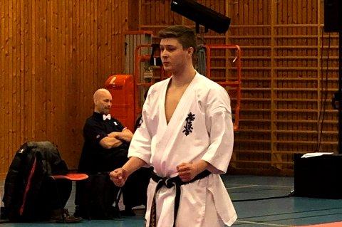 SKUFFET: Henning Dallavara var ikke fornøyd etter fjerdeplassen i karate-NM i Kvinesdal.