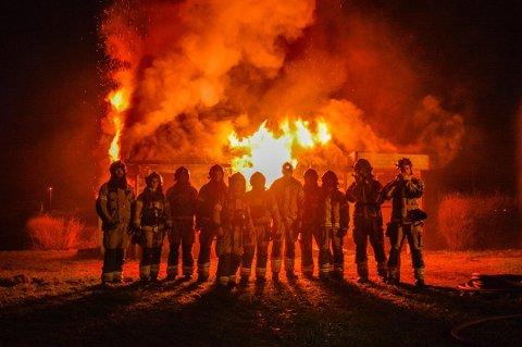 ØVELSE: Mannskaper fra Flekkefjord brannvesen fotografert på øvelse. Foto: FLEKKEFJORD KOMMUNE
