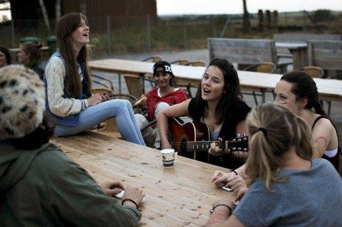 FOR JENTER: Bandleiren LOUD er en musikkleir for jenter.  Fjellparkfestivalen vil nå betale for lokale jenter som ønsker å delta.