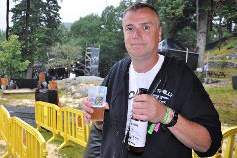 BRYGGER: Ivar Eigeland koste seg med egenprodusert øl og god musikk, på årets Fjellparkfestival.