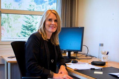 JOBBER MED SAKEN: Kommunedirektør Siv Kristin Egenes forteller hun og ordføreren jobber videre med næringsutvikling, nå uten næringssjef.