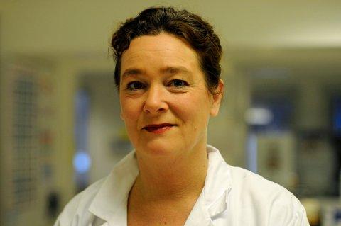 SMITTEVERNOVERLEGE: Fungerende smittevernoverlege Randi Eikeland i Sørlandet sykehus.