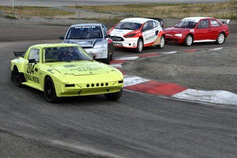 Den knall gule RX7´n: Fargevalget er ikke tilfeldig, rallycrossbilen til Egeland er like synlig som en refleksvest på høylys dag.