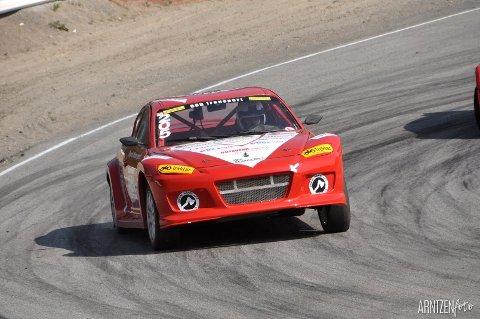Per Magne Røyrås stiller som vanlig i sin røde Mazda RX8.