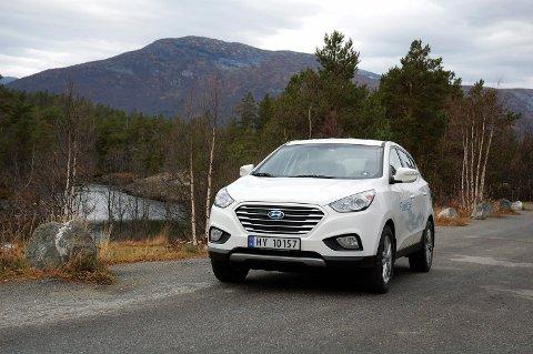 EN AV TO: Hyundai ix 35 er den andre hydrogenbilen som er tilgjengelig i Norge.