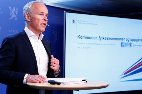 – Dette lovforslaget vil gjøre det enklere å utforme nye kommunevåpen for kommuner skal slå seg sammen, sier kommunalminister Jan Tore Sanner.