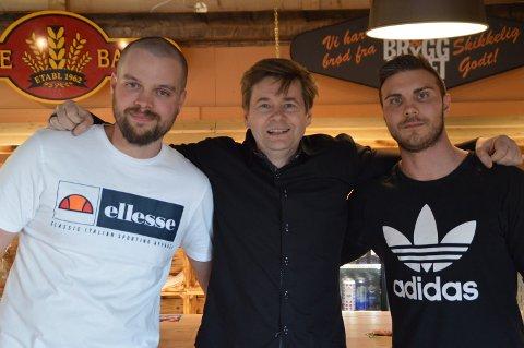 Frank Vågenes, Per Ove Helle og Roar Brekke fekk publikum til å le.