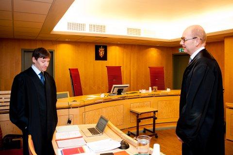 Statsadvokat Thor Erik Høiskar er aktor i saken, mens advokat Finn Ove Smith forsvarer mannen. Bldet er tatt i en tidligere rettssak.