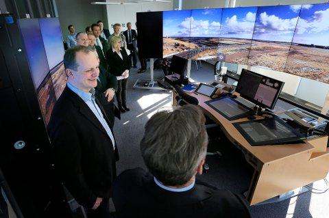 Flyplassene på Værøy og Røst har blitt styrt fra Bodø som et prøveprosjekt.