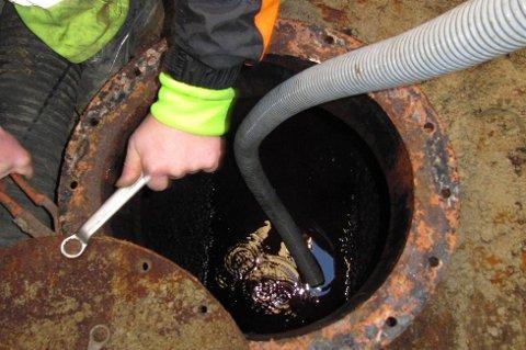 Fjerning av oljetanker har ført til en rekke forurensningsskader. Foto: Martin Leander Brandtzæg /Naturvernforbundet/ANB.