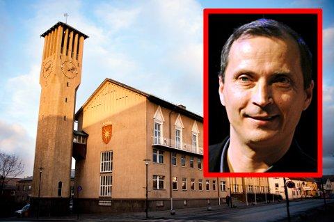 Morten Strøksnes har sine klare oppfatninger om at noe er fundamentalt feil i styringen av Bodø.
