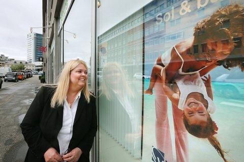 TRYKK: Marianne Skindlo i G Travel Getaway i Bodø  gleder seg over flere direkteruter fra Bodø lufthavn. Ifølge henne har flere allerede booket neste års sommerferie, mange vet hva de vil, hvor de vil og når de vil dra, sier hun.
