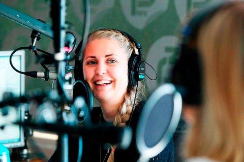 SMERTER: Under sin første direktesendte radiojobb ble Silje Nordnes rammet av akutte magesmerter.