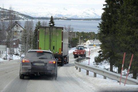 Ny ventetid: Både E6-trafikanter, samt næringslivet og lokalbefolkningen på Ulvsvåg og resten av Hamarøy risikerer å måtte vente i enda mange år før planene om tunnel gjennom Ulvsvågskaret eventuelt blir realisert. Foto: Øyvind A. Olsen