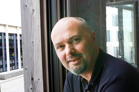 Konsernsjef Stig Otto Nilsen Viseadministrerende direktør Trine Nøvik, barsjef Lisbeth Andersen og eiendomsforvalter Viggo Normann.   Etablerer Styrhuset i andre etasje i Saltens Dampskibselskap