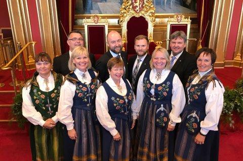 Nordlandsbenken bak fra venstre: Kjell-Børge Freiberg (Frp), Eirik Sivertsen (Ap), Willfred Nordlund (Sp) og Jonny Finstad (H). Foran fra venstre: Hanne Dyveke Søttar (Frp), Åsunn Lyngedal (Ap), Siv Mossleth (Sp), Mona Fagerås (SV) og Margunn Ebbesen (H).