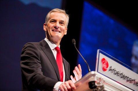 Arbeiderpartiets leder Jonas Gahr Støre kan likevel få et flertall i partiet med på å konsekvensutrede oljevirksomhet utenfor deler Lofoten.