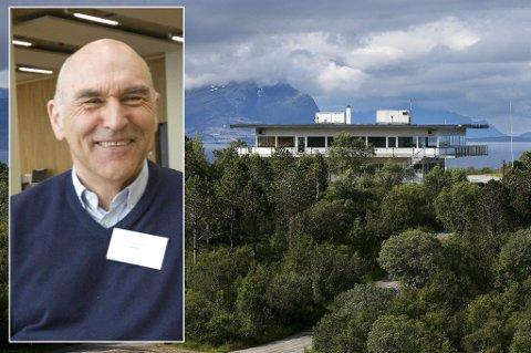 Arthur Bukhardt får tommelen opp for å gå videre med hotellplaner på Rønvikfjellet.