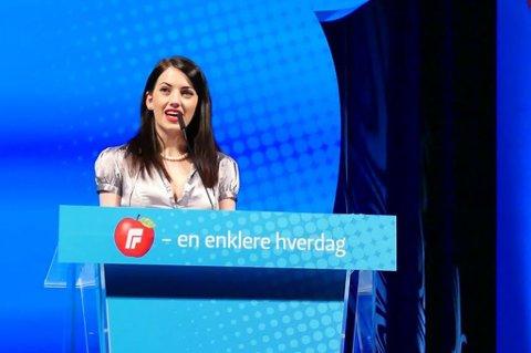 Kassandra Petsas markerte seg fra talerstolen på landsmøtet til Frp.