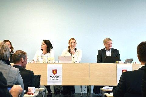 Varaordfører Synne Bjørbæk (Rødt), ordfører Ida Piinnerød (Ap) og rådmann Rolf Kåre Jensen.