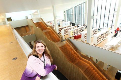 Trud Berg, Stormen bibliotek