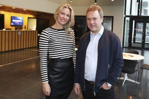 Stor interesse: Benedicte Kilvær Eilertsen og Rolf-Cato Raade i Stormen konserthus har grunn til å smile. Foto: Helge Grønmo