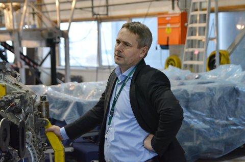 Administrerende direktør i Widerøe, Stein Nilsen, er bekymret over de høye avgiftene.