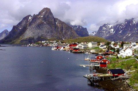 Reine i Lofoten er et populært besøksmål blant turistene.