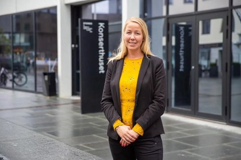 Laila Holmvaag er ansatt som ny økonomi- og administrasjonssjef.