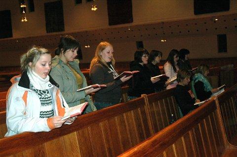 Salmesang: Min undersøkelse om bruk av salmer og sanger i Den norske kirkes trosopplæring viser et stort mangfold. Illustrasjonsfoto