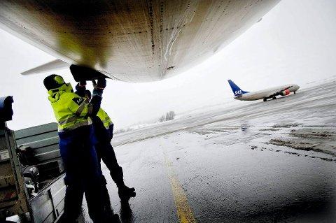 Widerøe har permittert bakkepersonell ved 14 flyplasser i forbindelse med streiken i SAS.