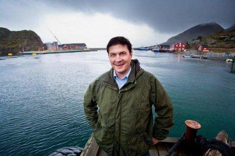 Odd Strøm har vært daglig leder i oppdrettselskapet Nova Sea i Lurøy i ti år. Nå gir han stafettpinnen videre.