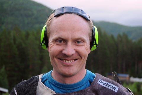 Rune Jørgensen slo til med 30 treff i feltskytingen. Dermed har han et godt utgangspunkt foran fredagens finale. Foto: Stian Høgland