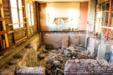 FESTIVITETEN: Nå har kommunen en god mulighet til å bli kvitt et bygg som bare står og forfaller. Spørsmålet er om prisen kan godtas. (arkivfoto)
