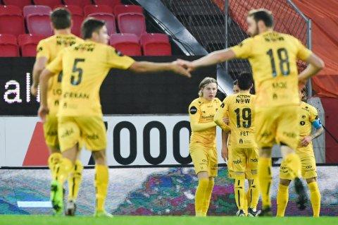 Bodø/Glimt jubler etter scoring i eliteseriekampen i fotball mellom  Brann - Bodø/Glimt. på Brann stadion. Foto: Marit Hommedal / NTB