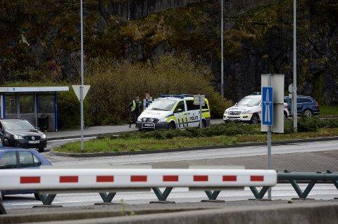 En mann ble tatt med til arresten etter den væpnede aksjonen på Gyldenpris. FOTO: ARNE RISTESUND