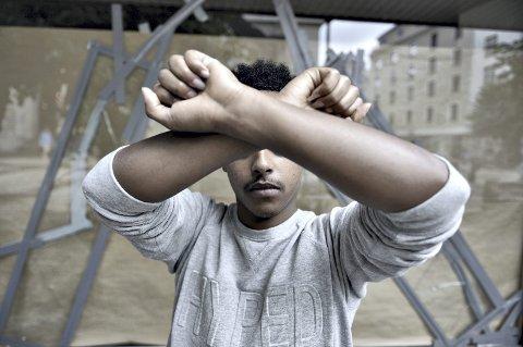Sabri (23) vil veldig gjerne bli værende i Norge. – Jeg ønsker å fortsette utdannelsen min, kanskje bli ingeniør, sier han til BA. Han måtte flykte fra Etiopia av politiske grunner. Av hensyn til sin families sikkerhet ønsker han ikke å vise ansiktet sitt i avisen.
