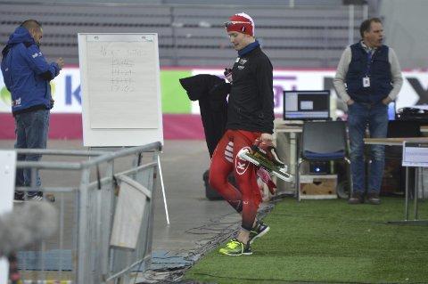 Sverre Lunde Pedersen hadde en lang dag lørdag. Her kan du lese hvordan han forberedte seg før, mellom og etter de to løpene. Foto: Sindre Wiik