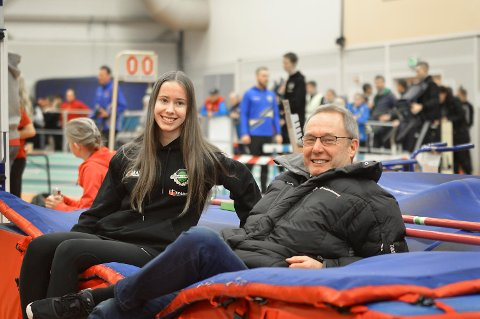Norna-Salhus' Martine Hjørnevik og trener Tor Haugland kunne juble over flere gode resultater i UM. (Arkivfoto: Sindre Wiik)