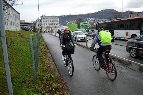 Bare tre prosent av bergenserne bruker sykkel, og det er et overordnet mål for Sykkelbyen Bergen at langt flere tråkker til på pedalene. (Foto: TOM R. HJERTHOLM)