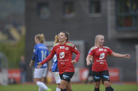 Cecilie Kvamme fikk både ny klubb og landslagsplass på samme dag. Neste sesong bytter hun ut Arna-Bjørnar med Sandviken.