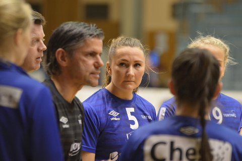 Tertnes-trener Tore Johannessen, Julie Lygren og resten av Tertnes-laget får starte 2018/19-seongen med hjemmekamp. (Arkivfoto: Sindre Wiik)