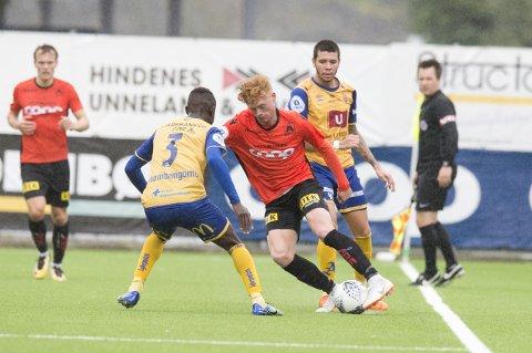 August Selnes fikk sin første kamp fra start for Åsane, og rødtoppen takket for tilliten med scoring.