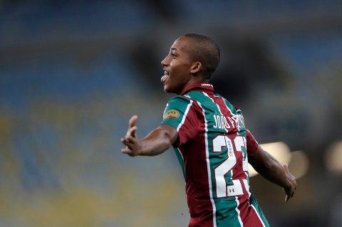 Joao Pedro har scoret fem mål på seks kamper så langt. Her jubler Fluminense-toppscoreren etter at de har vunnet mot Colombias Atletico Nacional.